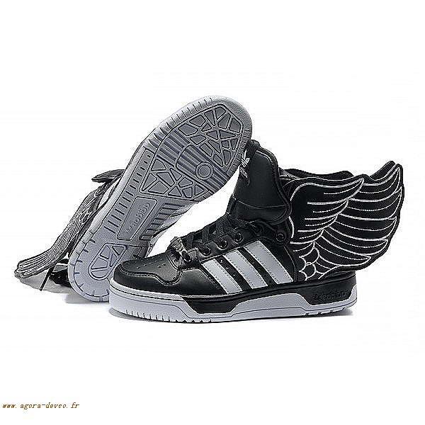 size 40 0427b fce60 Chaussures Adidas Homme Noir Originals Jeremy Scott 2.0 COS- AvOL