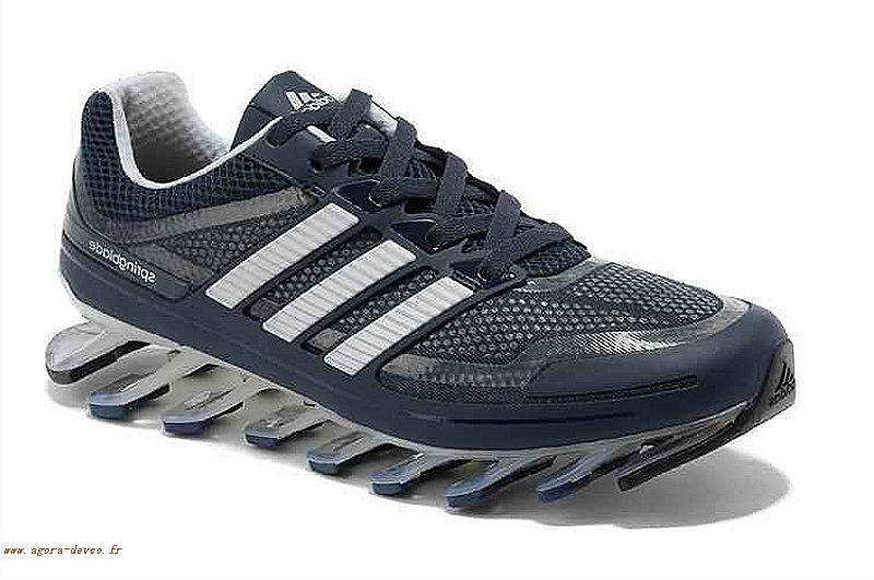 superior quality d6ba0 ef5d1 Homme Adidas Bleu Chaussures Blanche Springblade SOGS- M30b