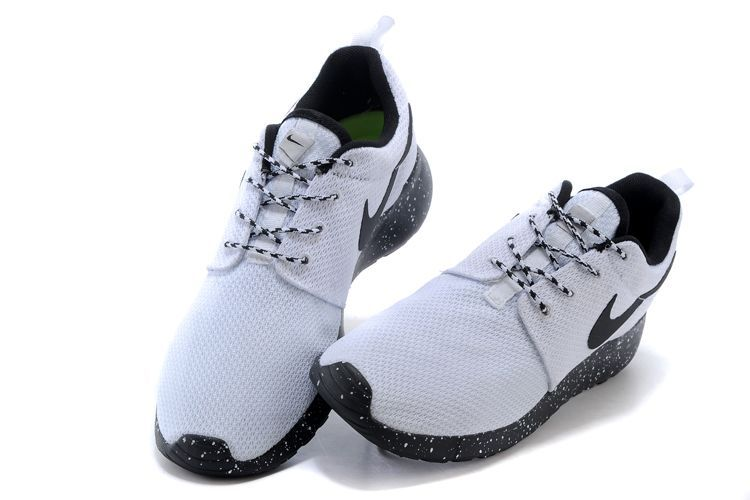 best service 18505 665fe ... gris noir coupon for solde run two blanc noir femme vendre nike one et  roshe roshe femme aqnwwg6s ...