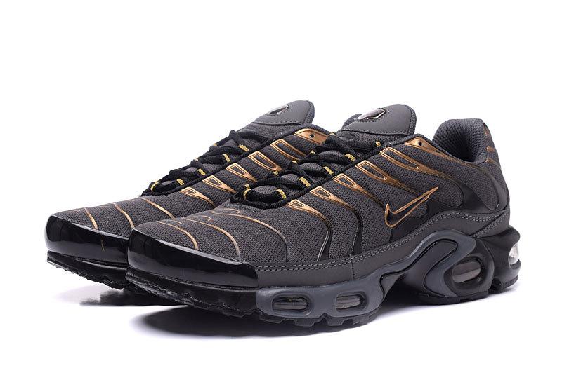 sneakers for cheap d29a9 5a688 ... sweden nike air max tn pas cherair max tn homme noir et og 1rsp d9478  ae331 ...